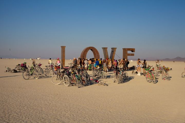 Installation art at 2011 burning man